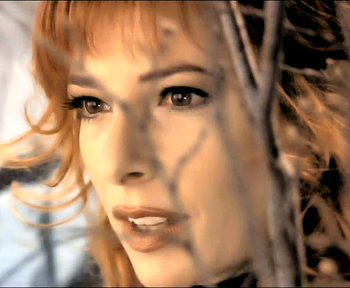 "Mylène Farmer Clip ""Fuck them all"""