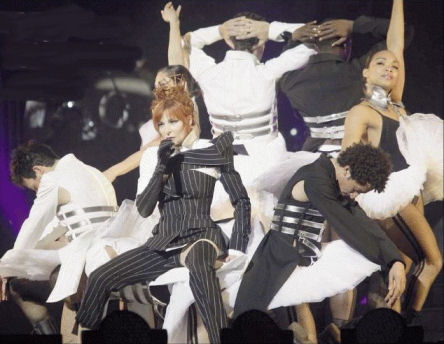 Mylène Farmer Tour 2009 Photo: Claude Gassian