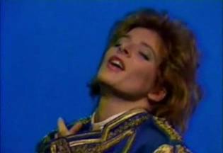 Mylène Farmer - Azimut - FR3 Lorraine - 25 juin 1986 - Capture